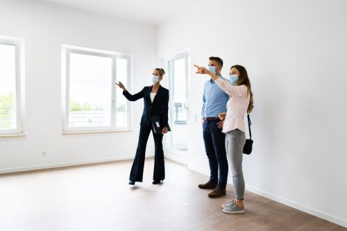 The Crucial Thing Most People Forget to Do When Touring Homes for Sale