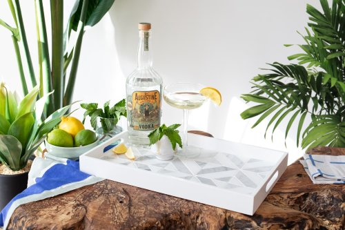Here's How to Make a DIY Tiled Drink Tray That Serves Up Style Indoors and Out