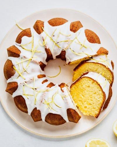 The Dessert: Easy Lemon Bundt Cake with Fresh Lemon Glaze