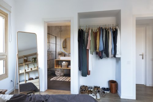 This 5-Step Method is the Best Way to Declutter Your Clothes