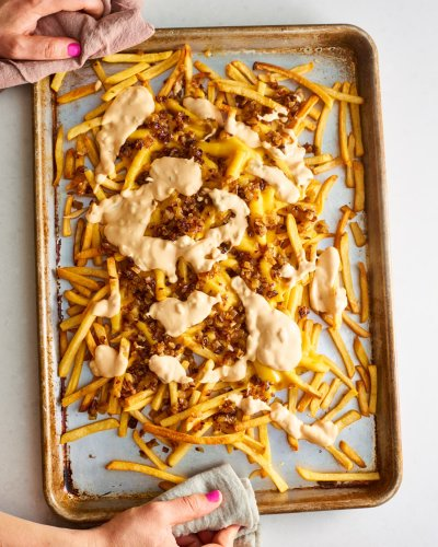 These Copycat Animal-Style Fries Are the French Fry Nacho Burger Mash-Up of Your Dreams