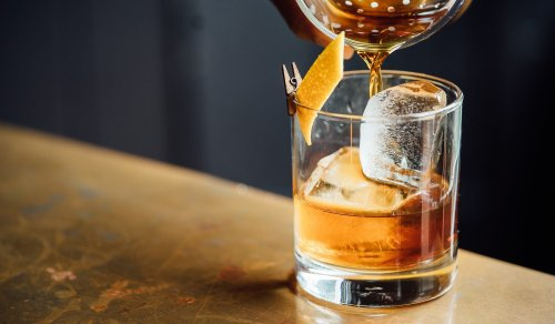 Top 10 Classic Whisky Cocktails Every Man Should Know How To Make
