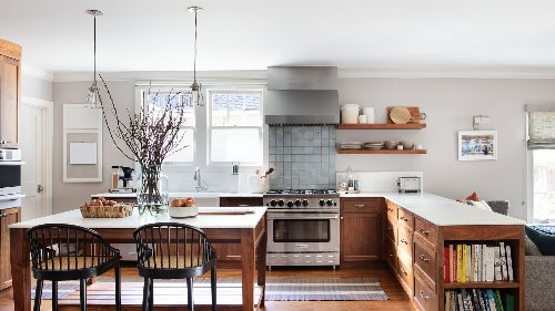 Tour the Traditional 1920s Oakland Home of One Modernist Designer