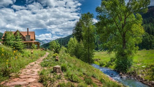 Explore the American West in Style at These Rustic-Luxe Dude Ranches