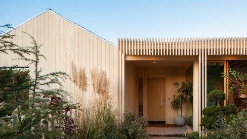 A Japandi-Style Home Transforms Into a Zen Paradise