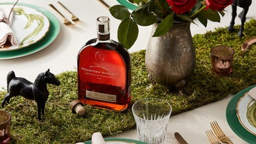 5 Tips for Creating the Perfect Tablescape for Derby Day with Woodford Reserve