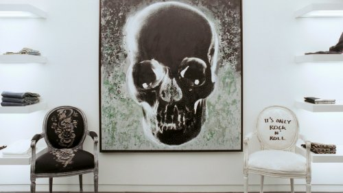 How to Include Gothic Decor in Your Home Without Making It Look Haunted