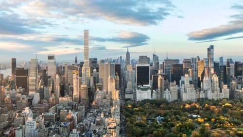 Tour the Entire Floor of This Iconic New York City Skyscraper That's Listed for $135 million