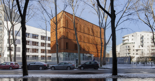 Transformation of an office building into a wood and straw 139 student rooms // NZI Architectes