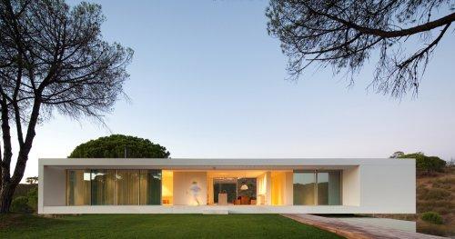 Slide Away: 7 Stunning Minimalist Residences With Slick Sliding Doors