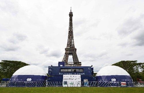 Transition énergétique : la tour Eiffel éclairée grâce à l'hydrogène