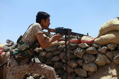 Yemen: Government forces make gains as Houthis lines collapse