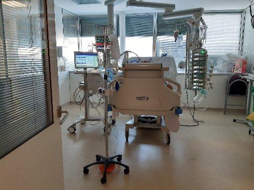 Covid-19 : 4743 malades hospitalisés en soins critiques