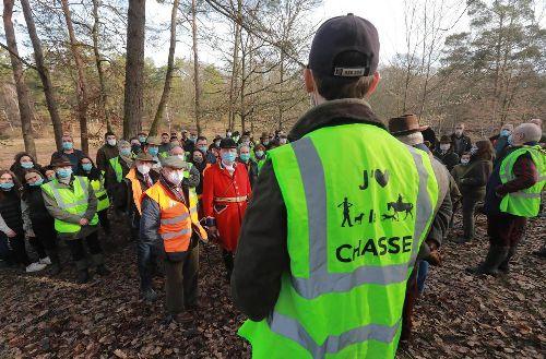«On a été piétinés» : dans les forêts d'Ile-de-France et de l'Oise, la révolte de la chasse à courre