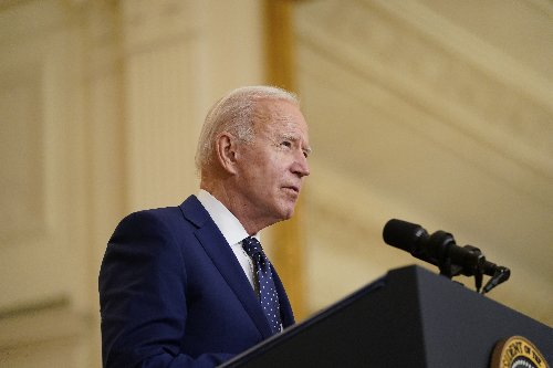 Senate Democrats urge Biden to condition aid to Brazil