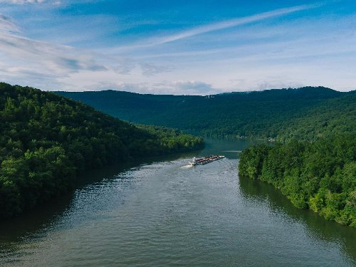 Tennessee's Misty Mountains and Curious Rivers