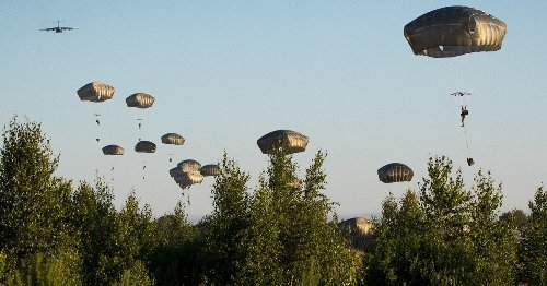 Paratroopers with 82nd Airborne fly non-stop to jump into Estonia tonight