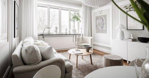 Interiores luminosos y paredes con personalidad, en este piso con decoración nórdica