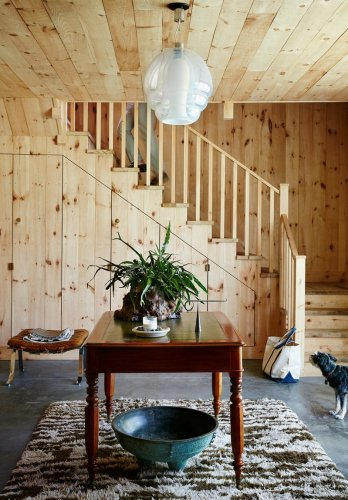 6 Storage and Seating Solutions You Can Squeeze Underneath the Stairs
