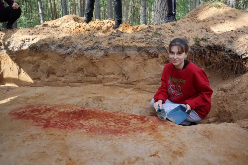 Archaeologists in Russia Have Uncovered the Copper Age Tomb of a High-Ranking Man Buried With 140 Rare Jewels | Artnet News