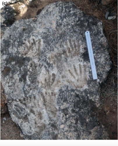 Archaeologists Have Uncovered Cave Art That's Way Older Than Any on Record—and It Was Made by Children | Artnet News