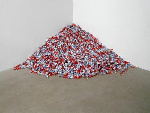 How Felix Gonzalez-Torres's Unabashedly Political Art Lent Minimalism a New Context