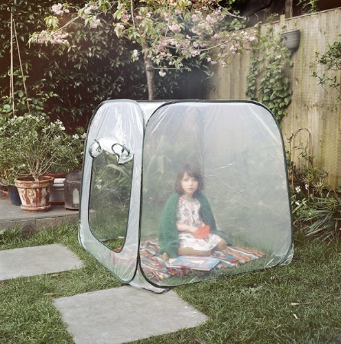 """""""Lost Summer"""" by Alys Tomlinson: The Younger Generation Who is Affected by The Pandemic Situations"""
