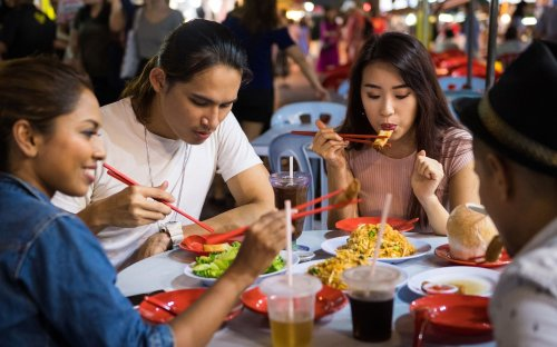10 Famous Malaysian Street Foods Craved Worldwide