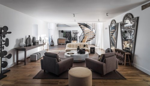 Home Tour: Kelly Hoppen's Countryside House Has a Modern Rustic Look We Love