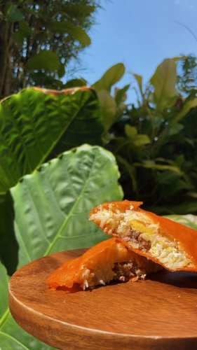 Filipino Food: What Is The Ilocos Empanada?