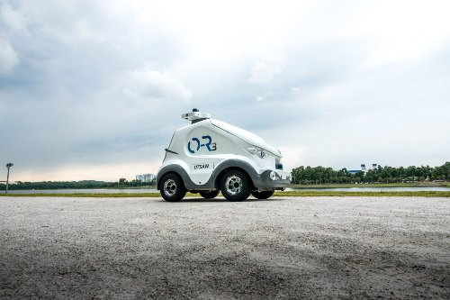 Singapore's OTSAW is sending robots for on-demand food and grocery deliveries