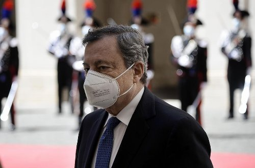 Draghi: Camilla non doveva morire ma ora completare vaccinazioni