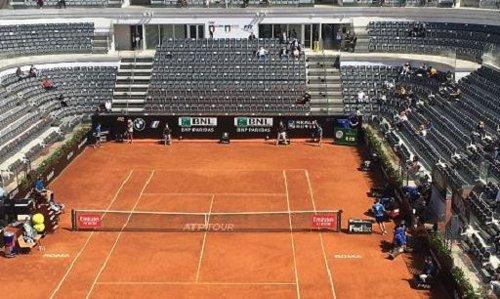 Tennis, il ritorno del pubblico tra Ffp2 e distanziamento