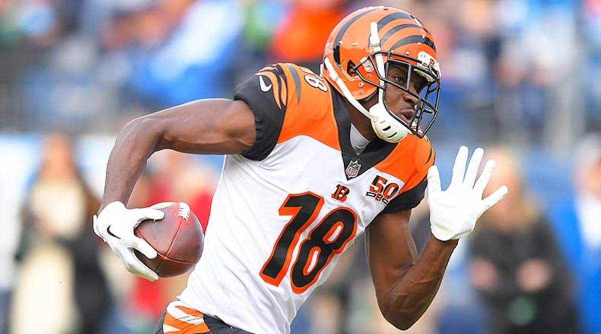 Fantasy Football 5 Up, 5 Down: Rob Gronkowski, Anthony Miller Up; A.J. Green, Miles Sanders Down for Week 1