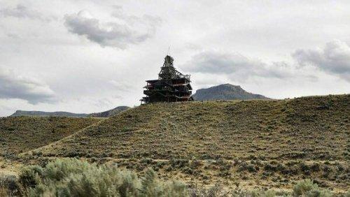 4 Wacky Wooden Buildings in Wyoming