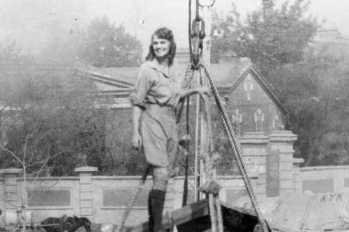The First Woman to Drive Around the World Wore Men's Breeches and Had a Pet Monkey
