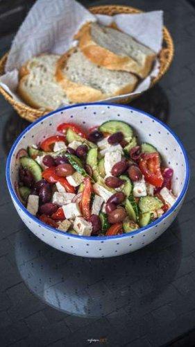 Griechischer Salat, Beilage oder Hauptgericht, Sommer Sonne Sonnenschein!