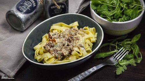 Tagliatelle Gorgonzola Tomate, die schnelle Variante einer Pasta