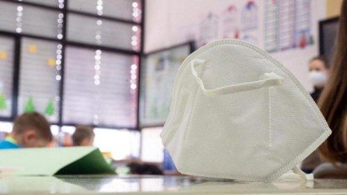 Söder: Bayern will Maskenpflicht im Unterricht nach den Ferien wieder einführen