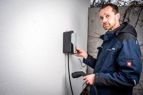 Wallbox fürs E-Auto installieren: Das erlebte ein AUTO BILD-Mann - autobild.de