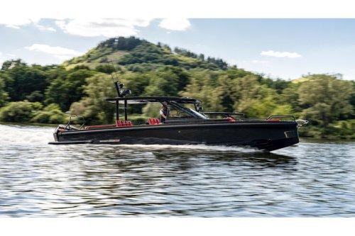 Brabus Shadow 900: Flügeltürer-Yacht mit 900 PS