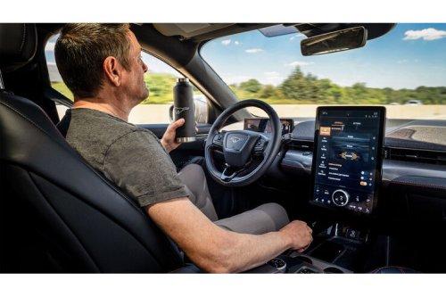 Sicherheitssysteme für Mustang Mach-E und F-150: Fords Assistenz-Paket heißt jetzt Blue-Cruise