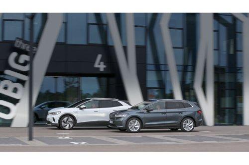 Skoda Enyaq gegen VW ID.4 im Test: Konzern-Brüder im Elektro-Duell