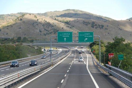 Si torna a viaggiare: +65% di spostamenti in autostrada