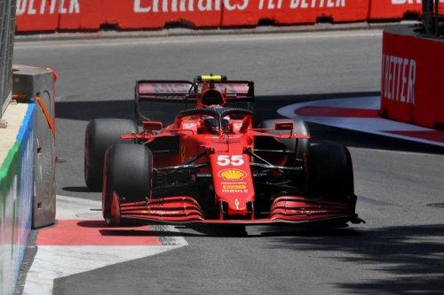 Sainz repite tercero en los Libres 2 de Bakú, Alonso sexto