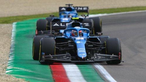 """Alonso, detrás de Ocon en Imola: """"Aprendo en cada vuelta"""""""
