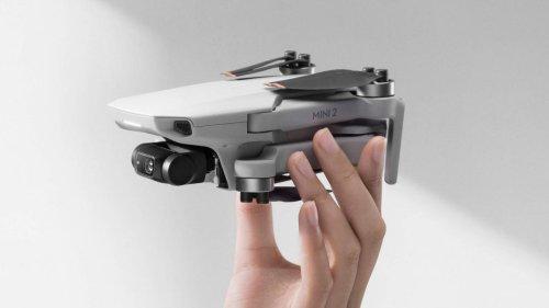 Este dron DJI Mini 2 es apto para volar sin licencia, graba en 4K y arrasa en Amazon por menos de 450 euros