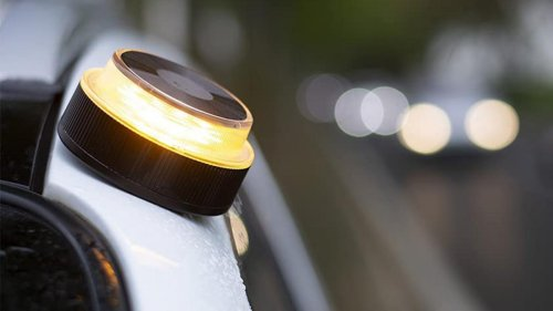 La oferta del Prime Day que todo conductor debe aprovechar: luz V16 por solo 12 euros