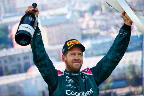 El día que Vettel volvió a sonreír… con Aston Martin