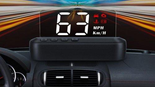 Esta pantalla de proyección del velocímetro es un detalle futurista para tu coche y cuesta solo 19 euros